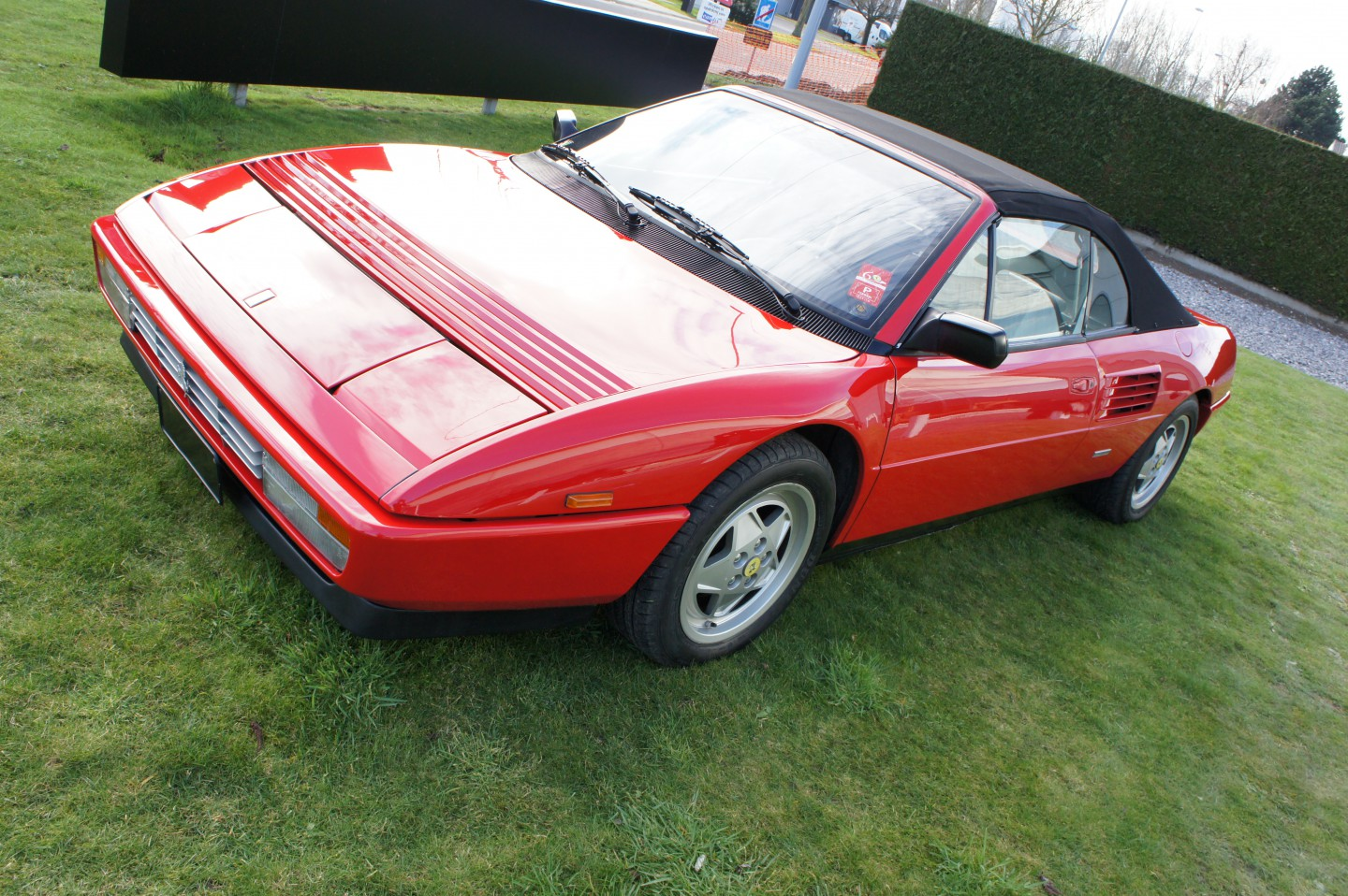 ferrari mondial cabrio vendo scaduto vendo ferrari. Black Bedroom Furniture Sets. Home Design Ideas