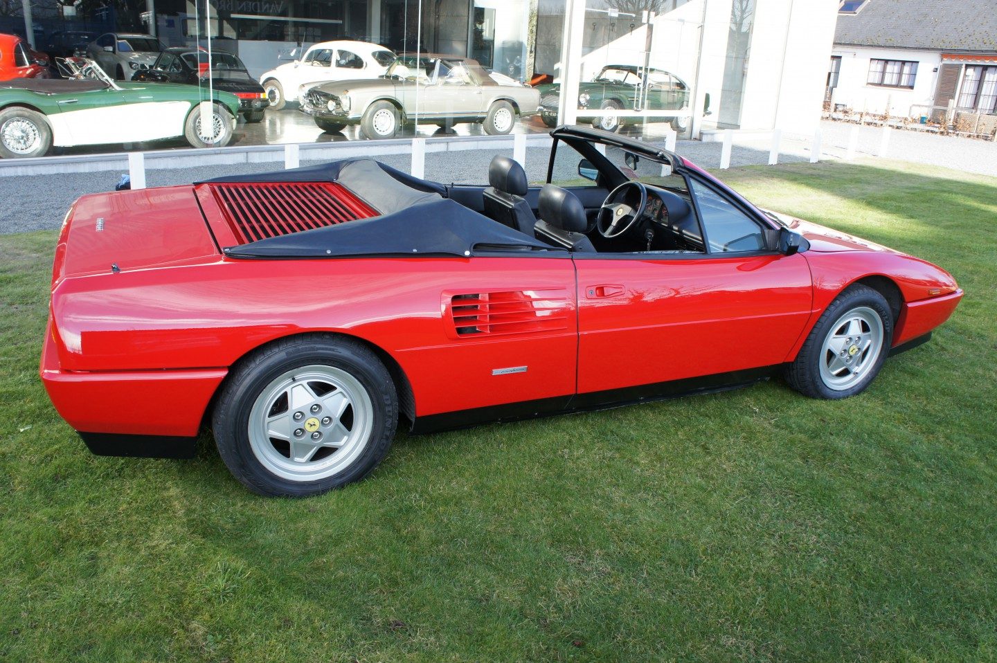 ferrari mondial t cabrio. Black Bedroom Furniture Sets. Home Design Ideas